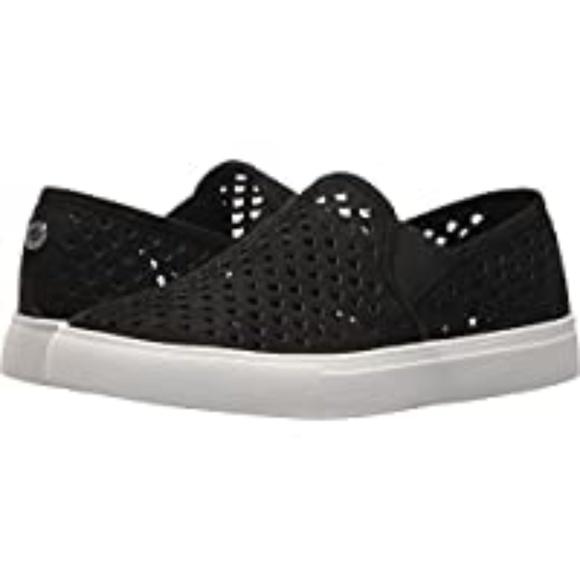 Steve Madden Shoes | Zeena Slipon Black